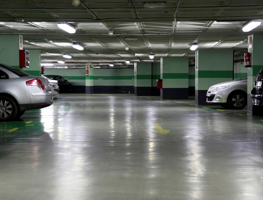 Interior parking Edificio Europa